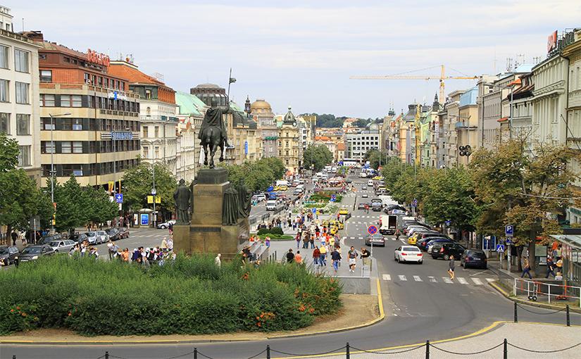 כיכר וואלאב קניות בפראג