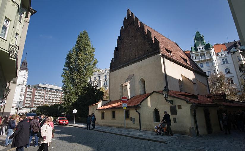 תפילות בבית הכנסת החדש ישן בפראג